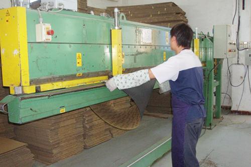 工厂机器-压合机